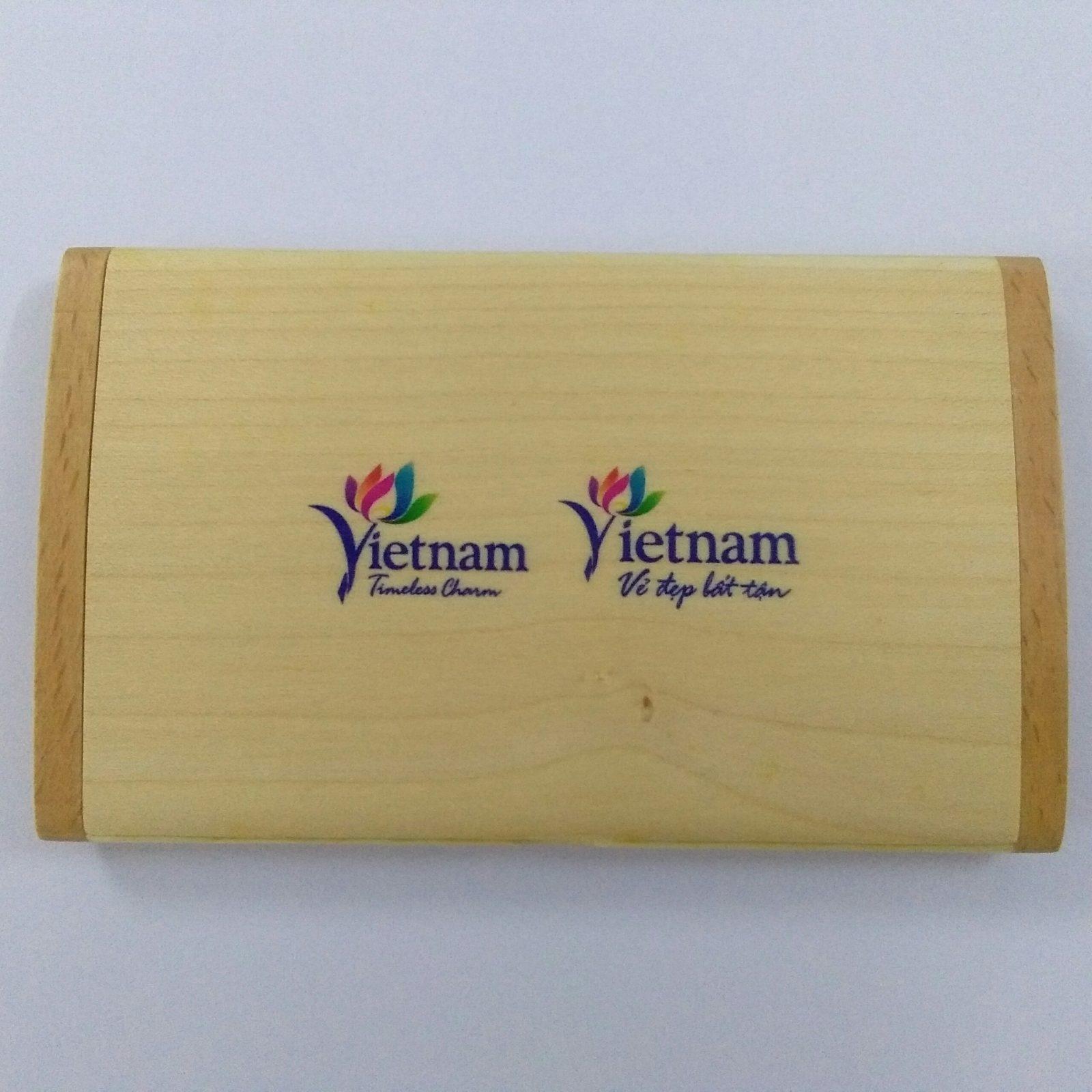 Hộp đựng name card gõ NC09 in màu logo