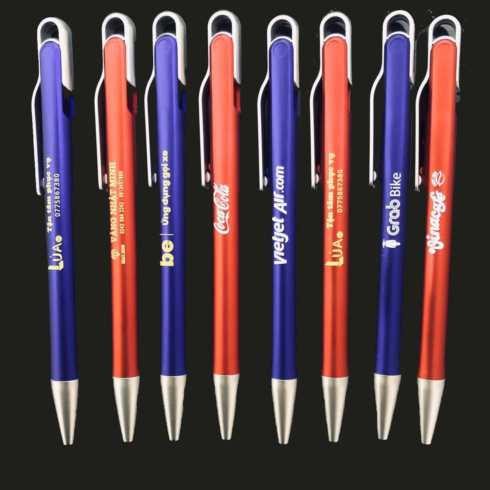 Bút bi quảng cáo in logo Công ty - BP2015 màu xanh và đỏ