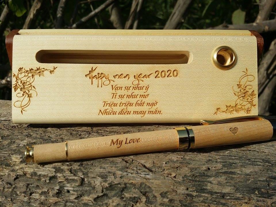 Bút Bi Gỗ Khắc Tên Quà Tết 2020 Miễn Phí Thiết Kế, Khắc Tên, Logo Theo Yêu Cầu