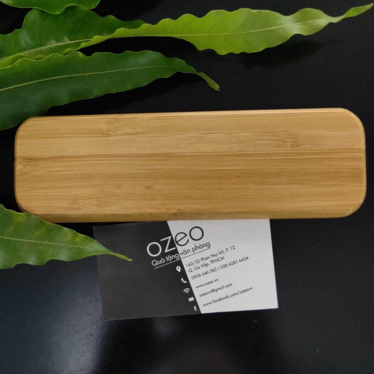 Hộp đựng bút bằng tre với vẻ đẹp giản đơn với màu vân gỗ tre tự nhiên