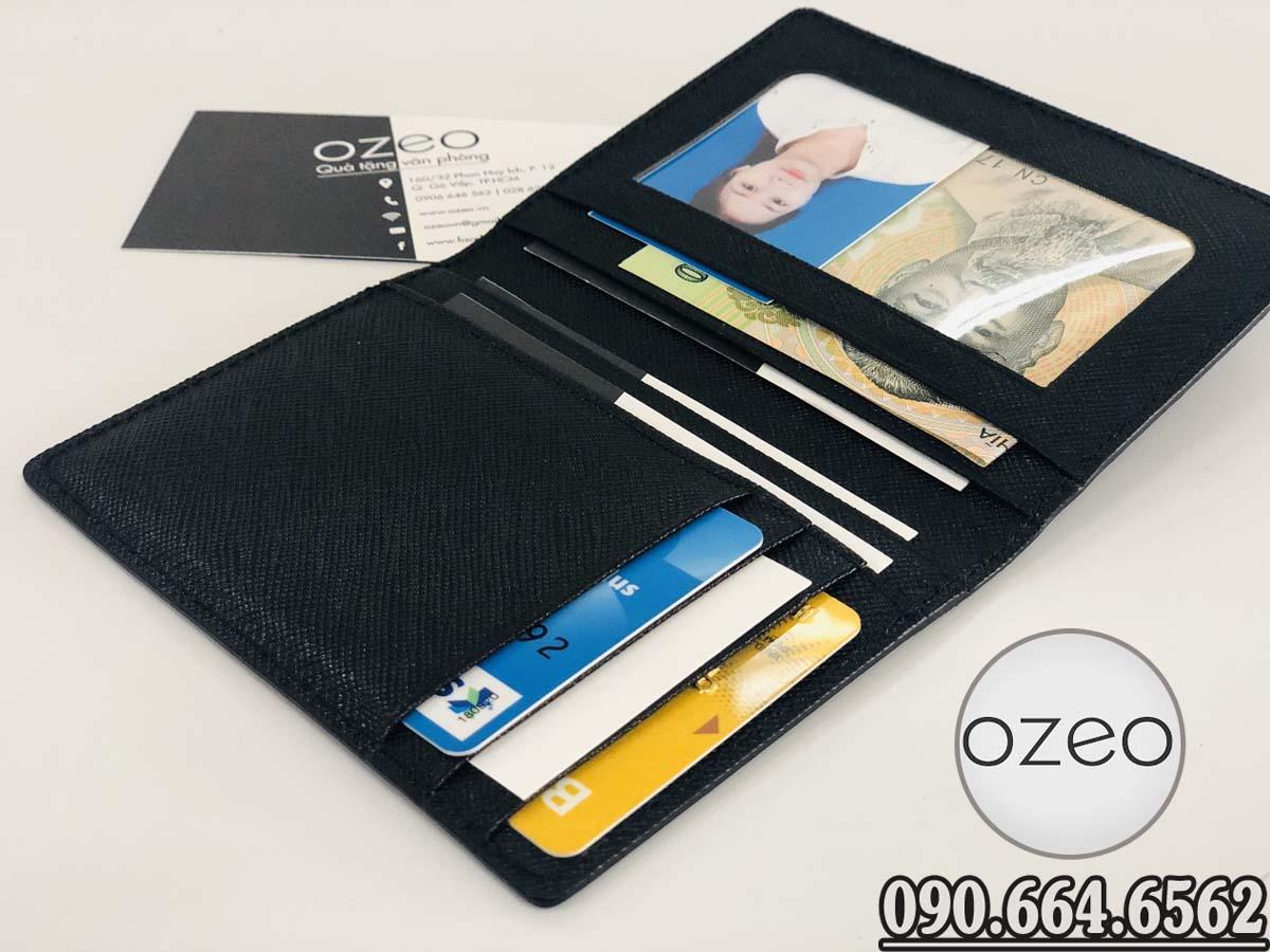 Các ngăn có kích thước chuẩn cho các thẻ ngân hàng, thẻ name card...