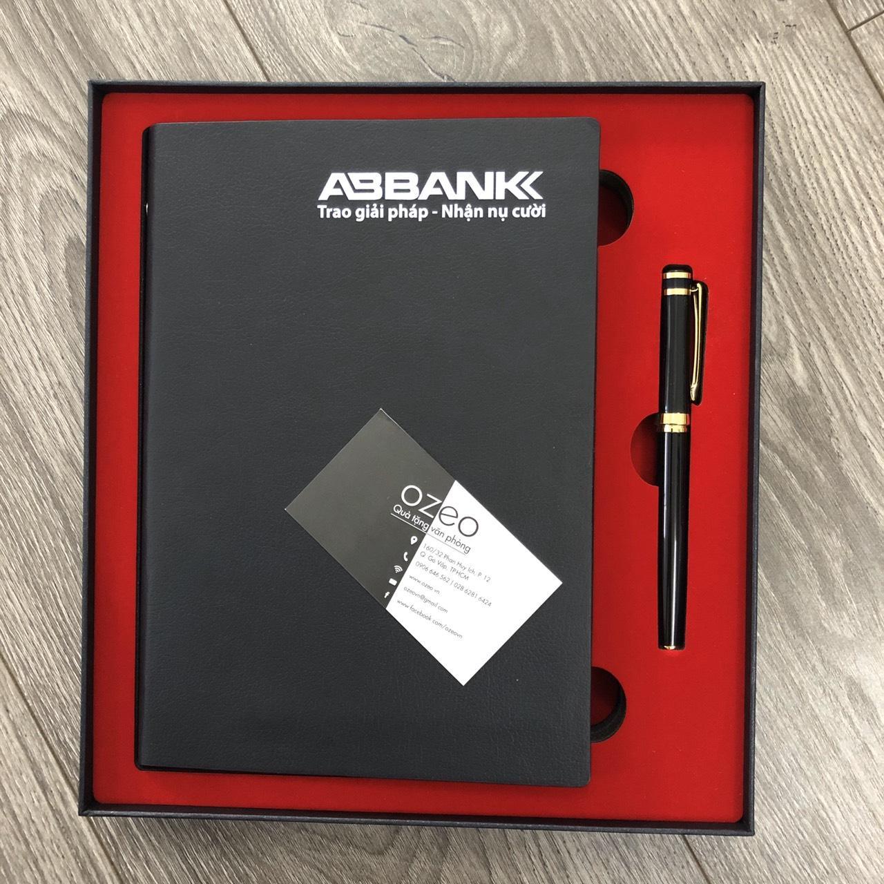 Bộ combo sổ da bìa còng 001 và bút kim loại BK072