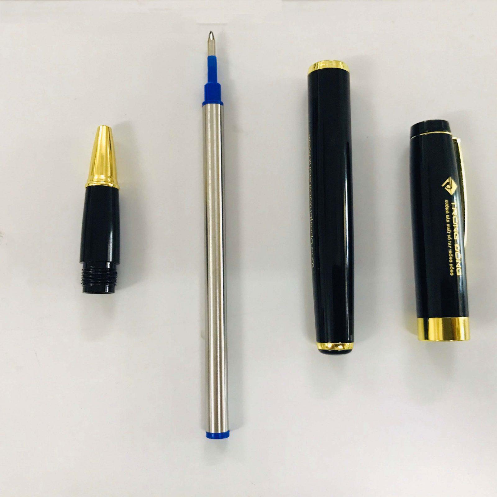 Phần ngòi bút làm bằng hợp kim có nét 0.7mm