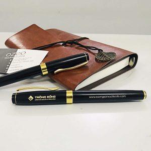 Bút Kim Loại Nắp Đậy Đen Khoen Vàng BK011