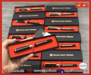 Bút kim loại BK061 khắc logo Shinhan Bank Vietnam