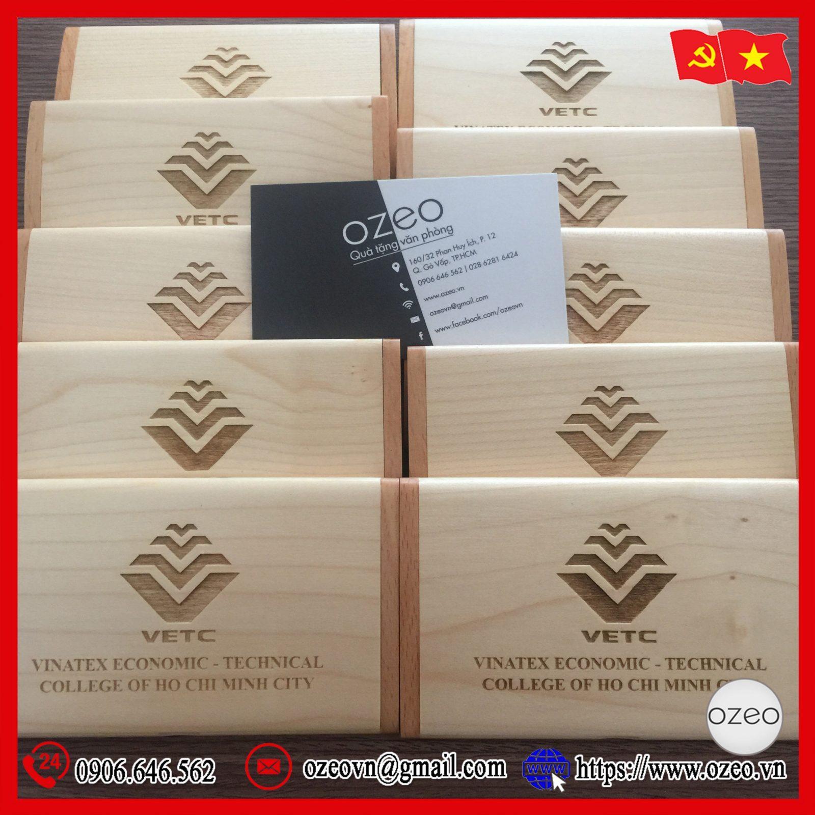 Hộp đựng name card gỗ khắc tên, khắc logo VETC làm quà tặng