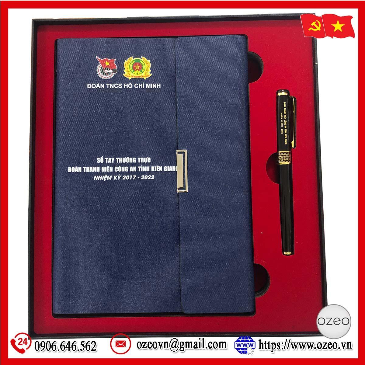 Sổ tay và bút ký in ấn và khắc tên theo yêu cầu - quà tặng Đại hội Đảng Kiên Giang
