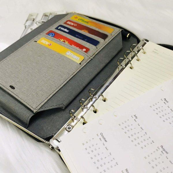 Gáy sổ còng 6 khoen dễ dàng thay thế, tháo lắp ruột giấy của sổ