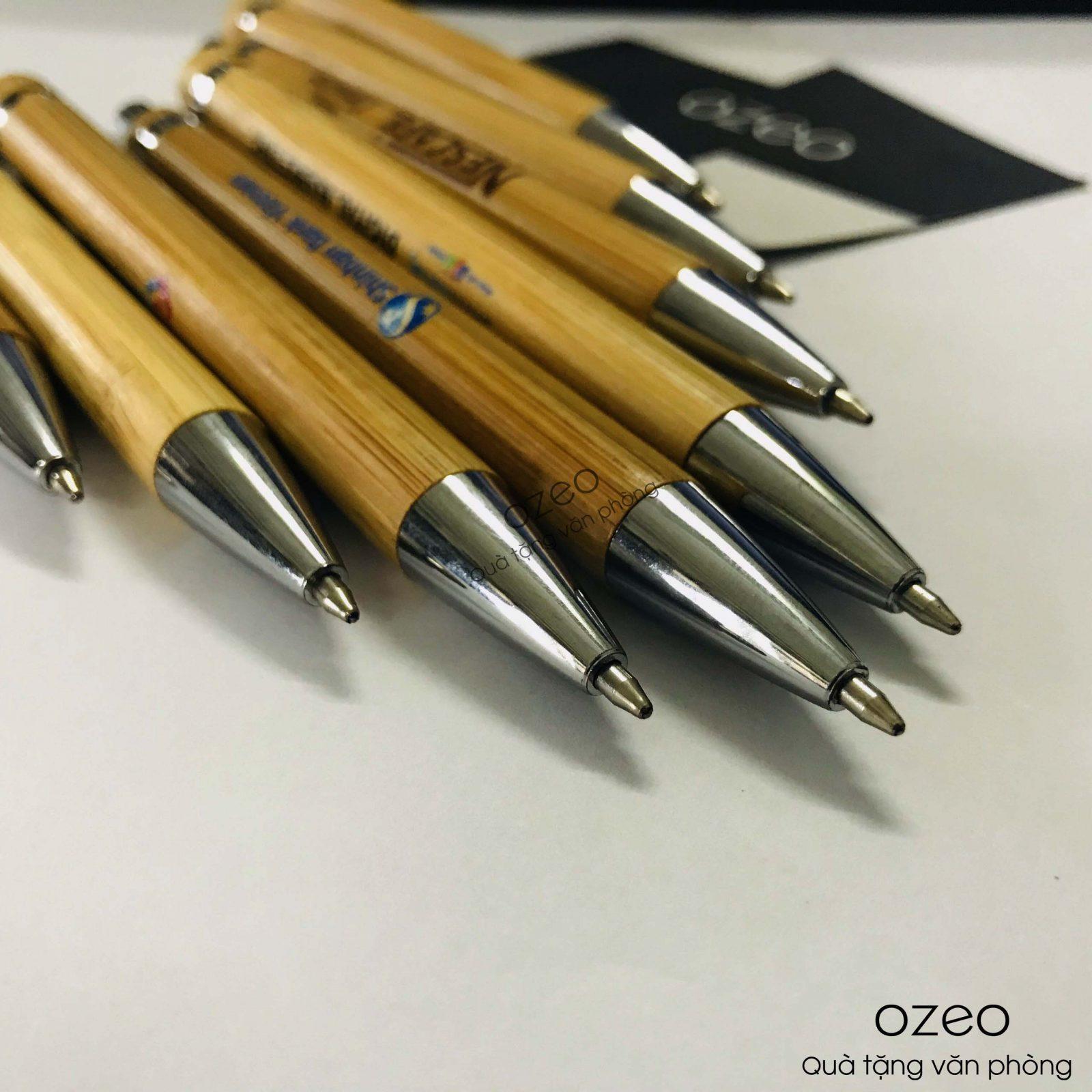Phần đuôi và ngòi bút bi bằng tre BT0303