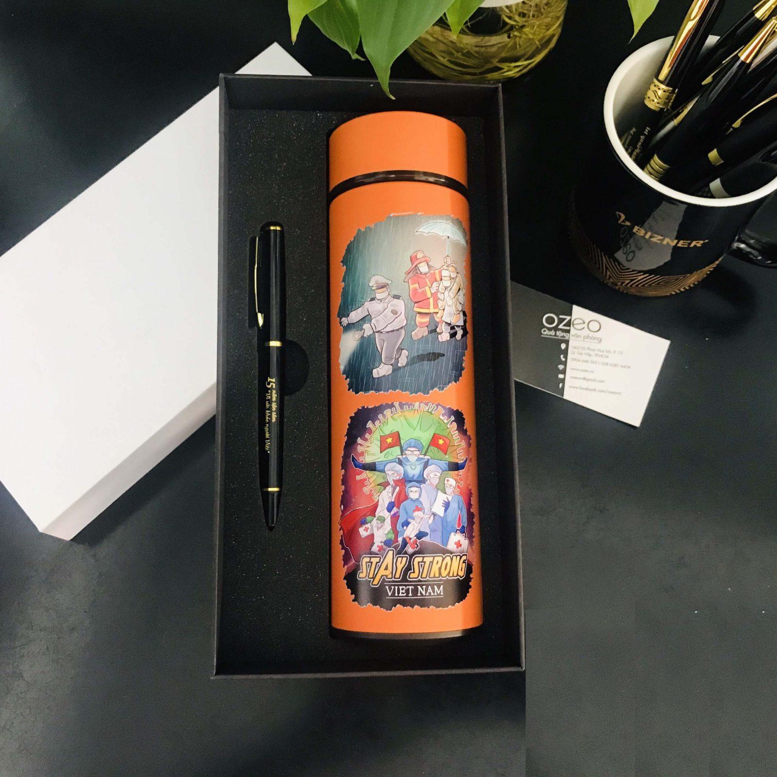 Tham khảo thêm một số hình ảnh của Bộ quà tặng Giftset bình giữ nhiệt inox và bút kim loại: