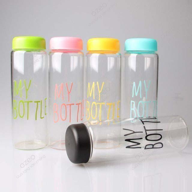 Một mẫu bình nước nhựa được bán phổ biến trên thị trường.