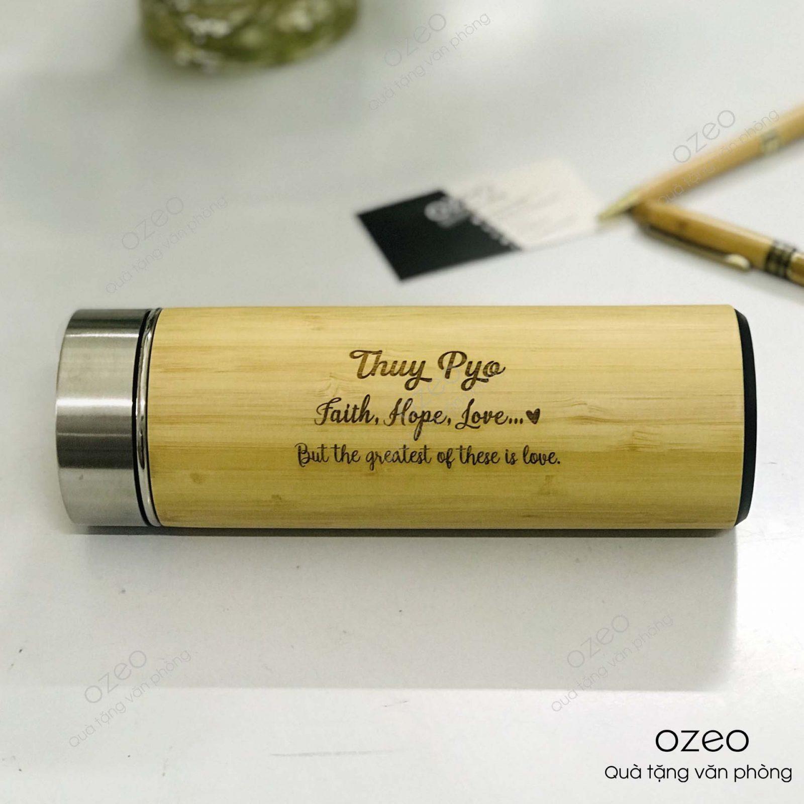 Bình giữ nhiệt vỏ tre khắc tên, khắc chữ làm quà tặng tốt nghiệp cho người yêu