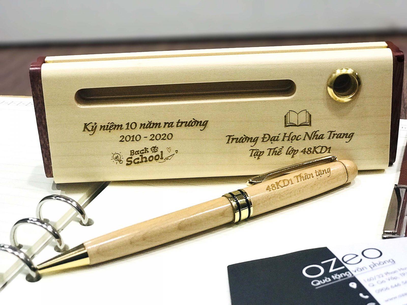 Quà tặng bút gỗ tặng thầy cô giáo cũ - Quà tặng họp lớp kỷ niệm 10 năm ra trường.
