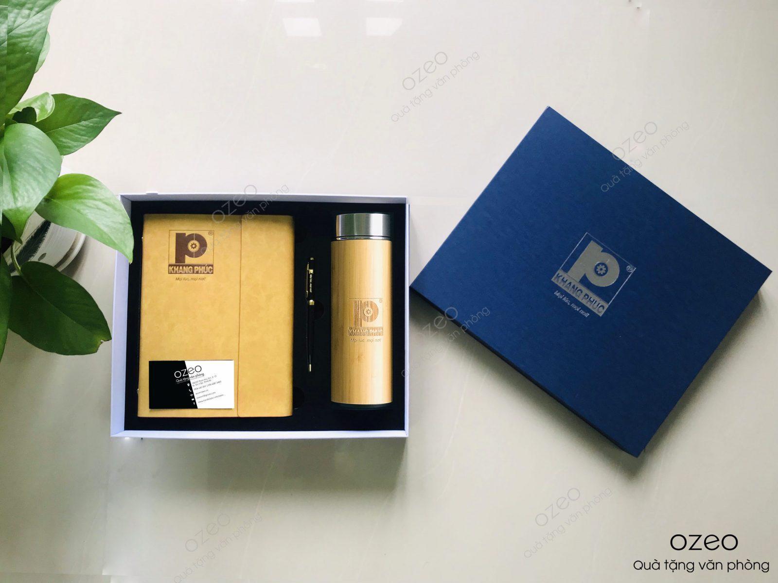 Bộ quà tặng sổ kèm bút và bình giữ nhiệt in ấn/ khắc logo theo yêu cầu.