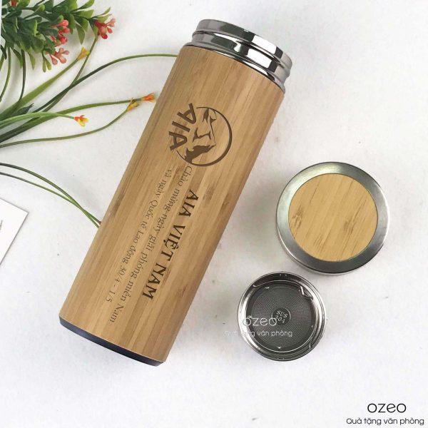 Bình giữ nhiệt vỏ tre khắc laserlogo AIA Việt Nam làm quà tặng 30/4 & 1/5 cho khách hàng.