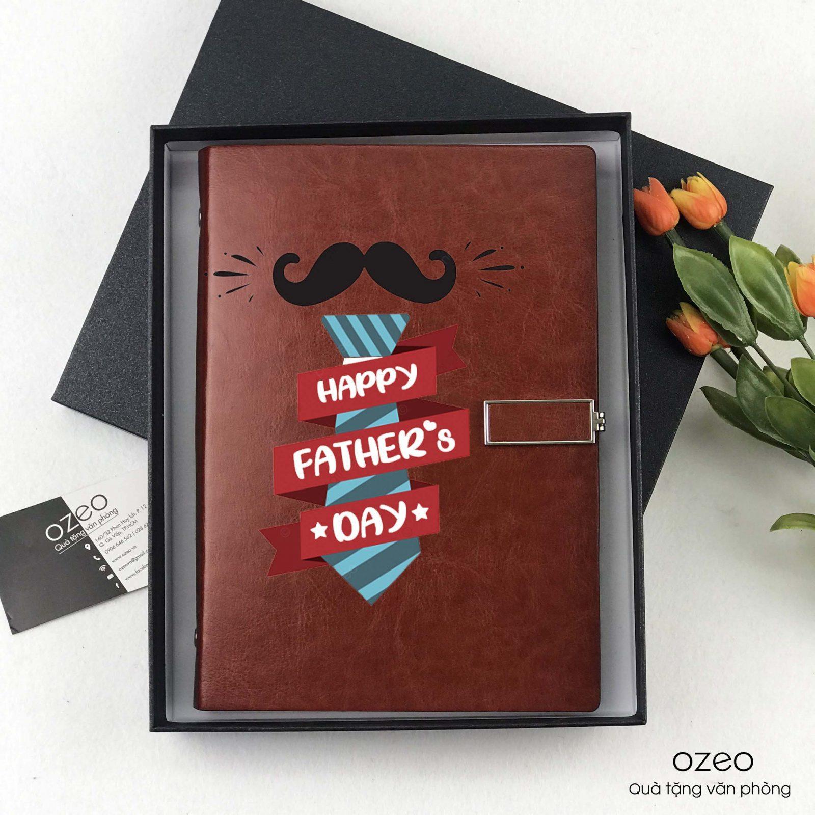 Sổ tay khóa vuông màu nâu dỏ in hình làm quà tặng nhân Ngày của Cha